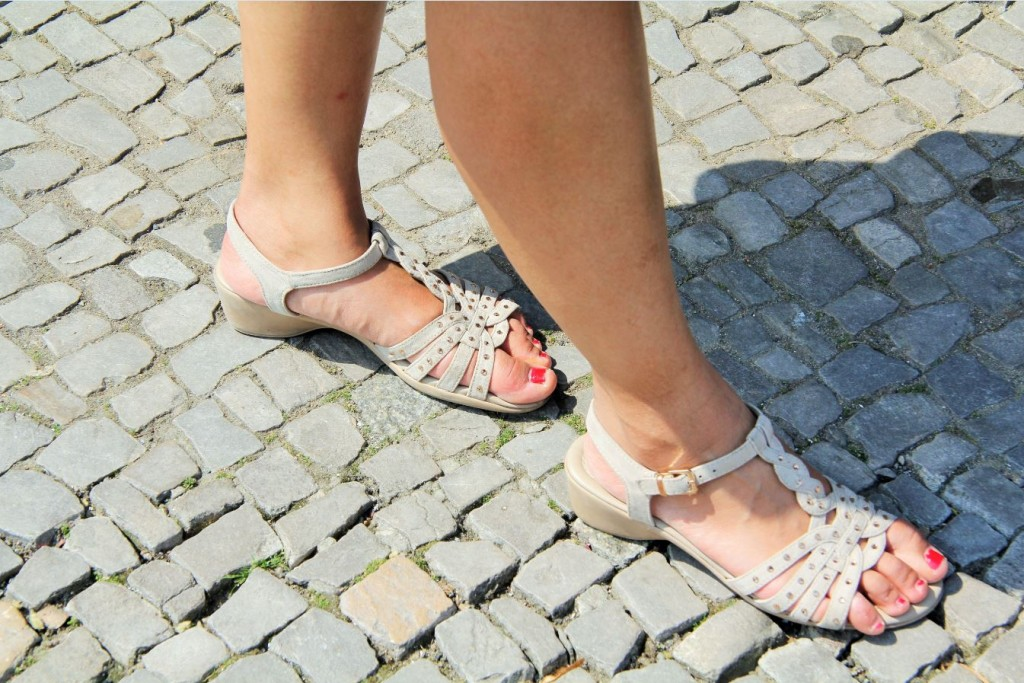 sandales beige Deichmann